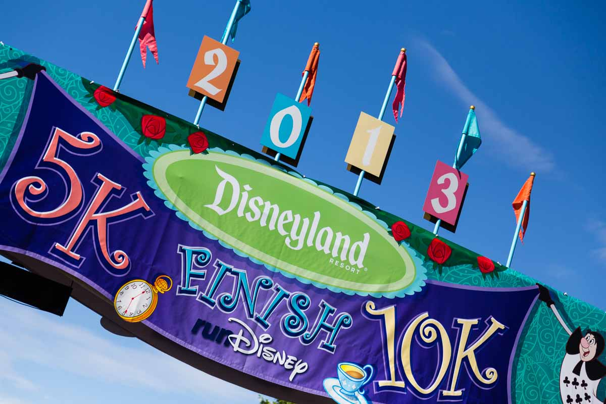 ![Disneyland10kFinishLine2013
