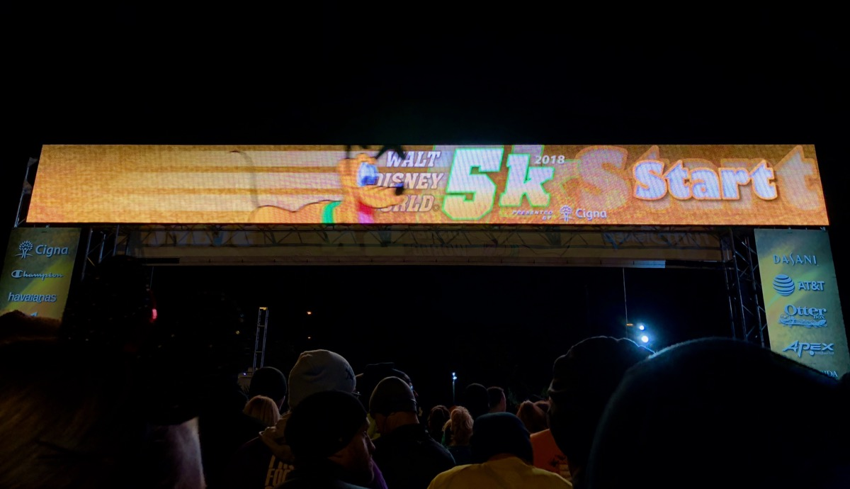 2018 Disney World 5k starting line